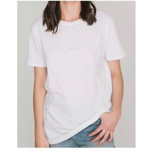 """NWT-Brunette The Label """"Blonde"""" T Shirt"""